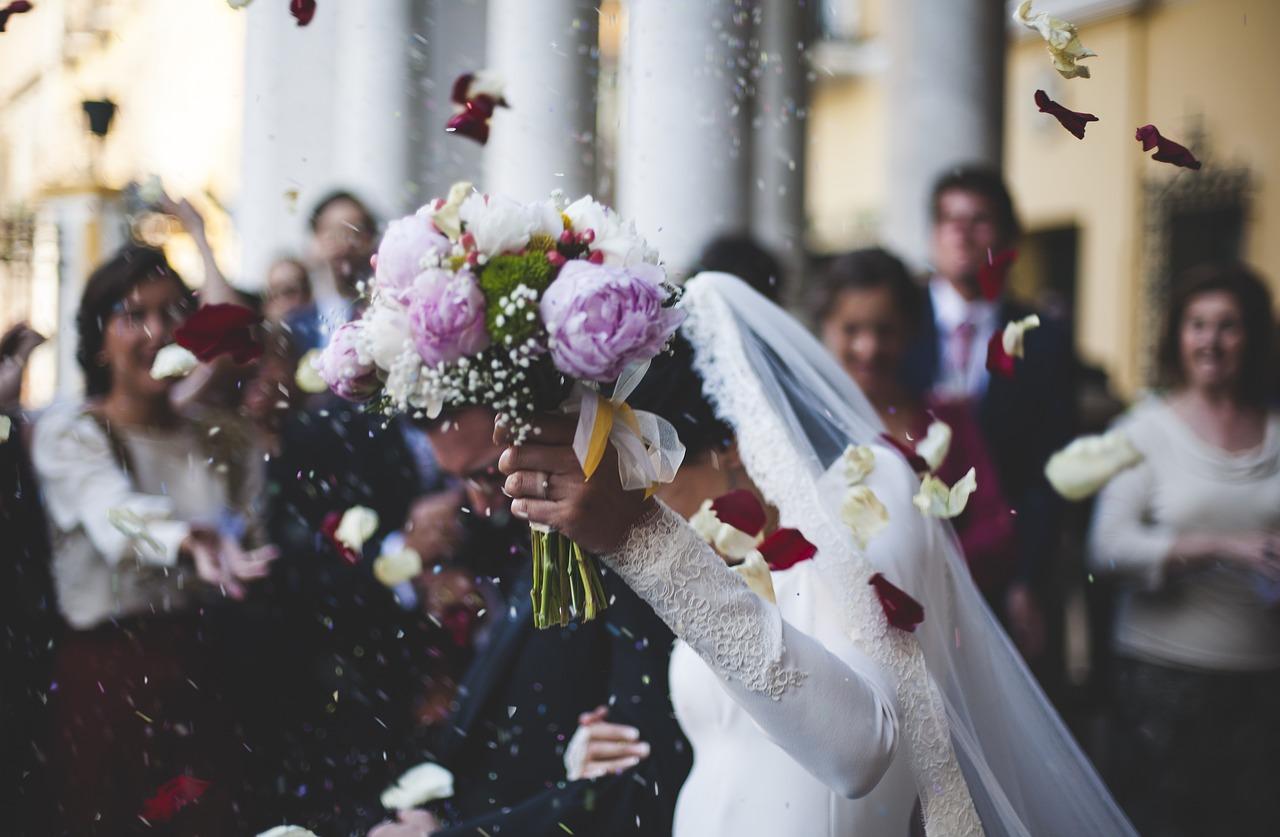 Der richtige Blumenschmuck zur Hochzeit